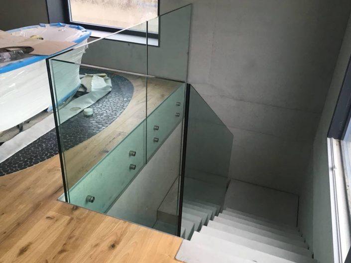 parapetto in vetro per soppalco