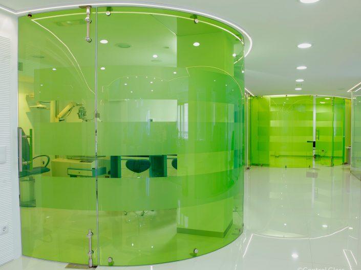 pareti divisorie in vetro colorato - Credit ©Control Glass