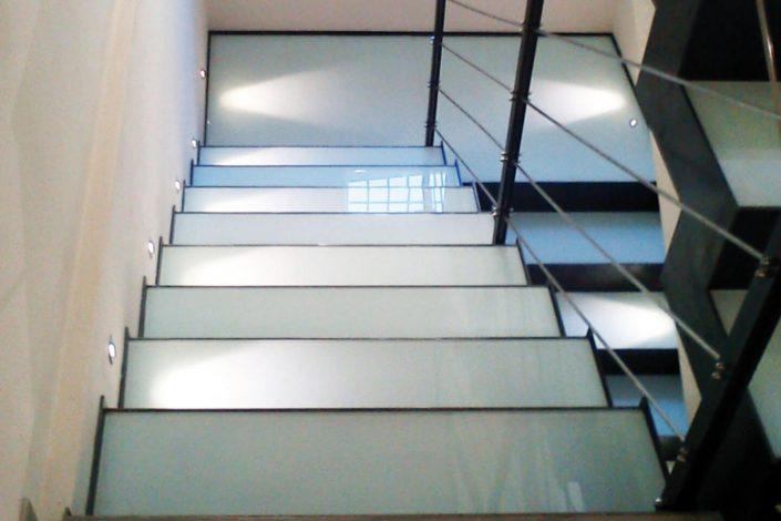rivestimento scala esistente in ferro e vetro
