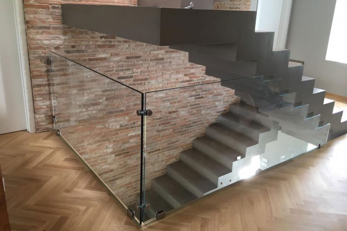 parapetti design minimal in vetro stratificato
